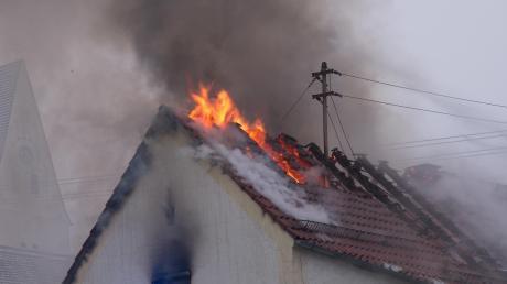 Im Dachstuhl des Gebäudes in Münster ist der Brand ausgebrochen.