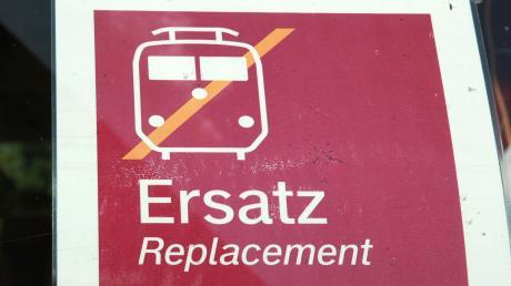 Im Allgäu wird es im August auf mehreren Strecken Zugausfälle und Schienenersatzverkehr geben.