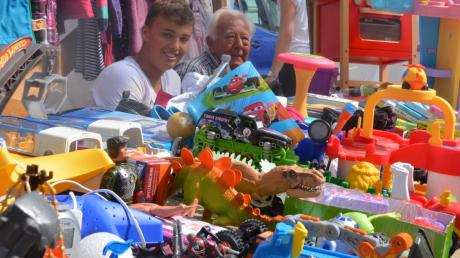 Das Rote Kreuz Aichach-Friedberg hat seinen Kinderflohmarkt wegen Corona abgesagt.