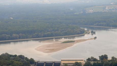 Das Wasserwirtschaftsamt Ingolstadt prüft eine weitere Poldervariante am Donau-Südufer (links im Bild). Entwickelt hat das Modell der Marxheimer Unternehmer Ewald Berner.