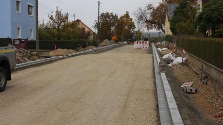 Seit Monaten gesperrt ist die Ortsdurchfahrt in Gosheim. Die Arbeiten gehen Bürgermeister Harald Müller zufolge gut voran.