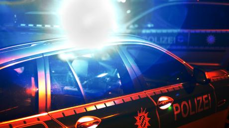 Ein Unfall nahe Fünfstetten rief die Polizei auf den Plan. (Symbolfoto)