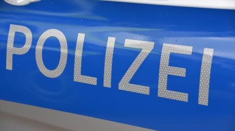 Einen dreisten Diebstahlsfall meldet die Polizei aus Münster am Lech. Dort schlugen die Täter in einem Kieswerk zu.