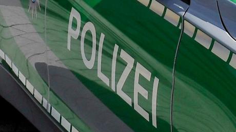 Ein junger Schwarzfahrer hat im Landkreis Donau-Ries die Polizei beschäftigt. Gemeinsam mit einem 11-Jährigen hatte er nächtliche Fahrten in einem VW-Bus unternommen.