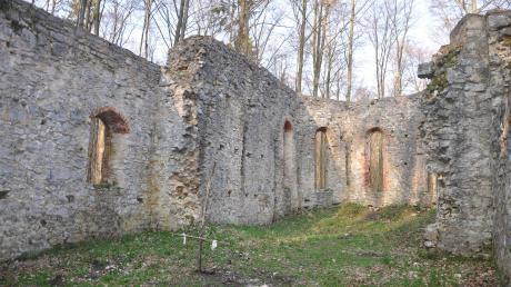 Die Ruine auf dem Uhlberg zieht viele Menschen an, ist aber für manche schwer zu finden.