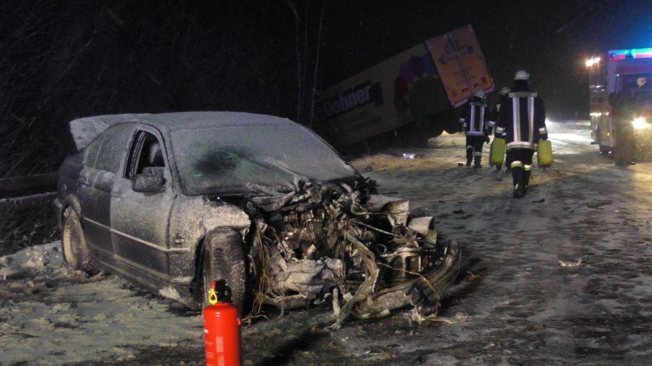 Region Augsburg Viele Unfälle Durch Glätte B16 War Für Sieben
