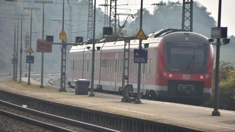 Am Bahnhof in Treuchtlingen war am Sonntagmittag ein Fünfjähriger allein unterwegs. Er war ohne seine Eltern von zu Hause aufgebrochen.