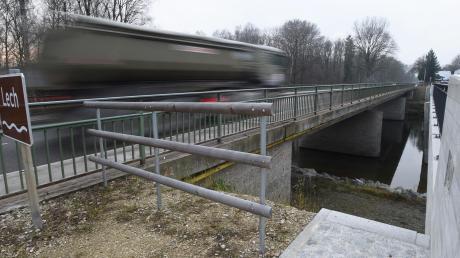 Viel Verkehr herrscht auf den Lechbrücken zwischen Meitingen und Thierhaupten.