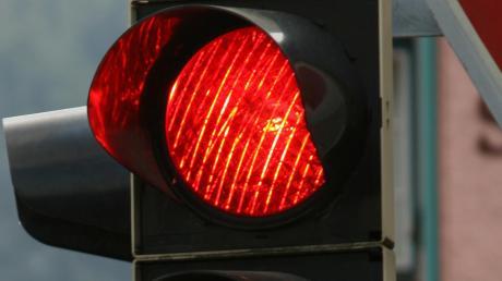 Unfall an einer Roten Ampel in Friedberg.