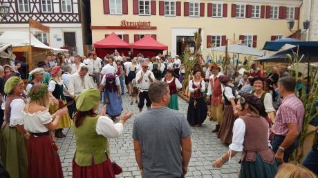 Copy%20of%20Monheim_Stadtfest_Tanz.tif