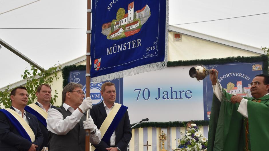 """Münster: Neue Standarte, Ehrungen und ein """"Flitzer"""" - Nachrichten ..."""
