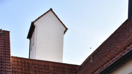 Auf dem Schlauchturm des Feuerwehrhauses soll – so der Beschluss des Gemeinderats – eine Mobilfunk-Sendeanlage installiert werden.