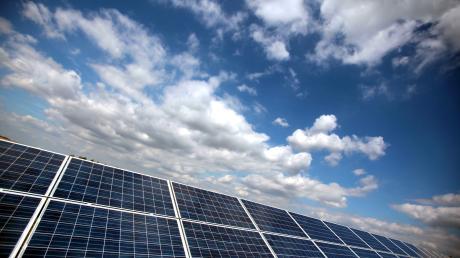 Fünfstetten will keinen weiteren Solarpark (Symbolbild)