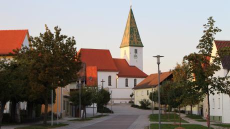 In Rögling wird demnächst über das Bürgerbegehren zur Mobilfunk-Sendeanlage entschieden.