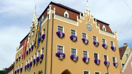 Der Chefsessel im Donauwörther Rathaus wird 2020 frei.