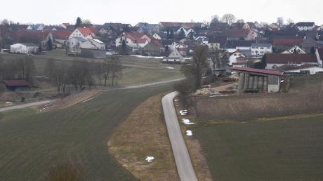 In Rögling herrscht Uneinigkeit über den Standort eines Mobilfunkmastes. Der Arbeitskreis Mobilfunk ist gegen einen Mast in der Dorfmitte.