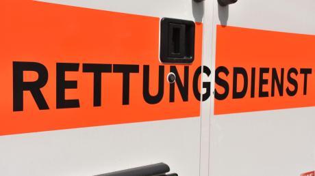 Nach einem Unfall auf der B16 bei Erlingshofen war das Rote Kreuz im Einsatz.