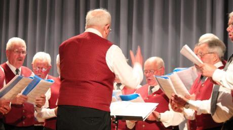 Dirigent Theodor Haberbosch hatte den Männerchor gut im Griff.