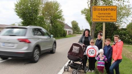 Tempo 50 soll endlich eingehalten werden. Bewohner in Blossenau hoffen, dass die Gemeinde in der Ortsdurchfahrt (Staatsstraße) dauerhaft eine Geschwindigkeitsmessanlage installiert.