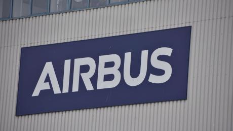 Bei der Firma Airbus Helicopters in Donauwörth werden zahlreiche Mitarbeiter auf das Coronavirus getestet.