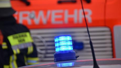 Wegen eines Brands im Gewerbepark Unterallgäu in Kammlach rückten 40 Einsatzkräfte der Feuerwehr aus.