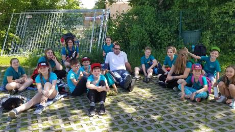 Sie haben beim Bezirkswettbewerb in Marktoberdorf teilgenommen. Das Jugendrotkreuz Nordschwaben hat sich nun mit zwei Gruppen für die bayerischen Meisterschaften qualifiziert.