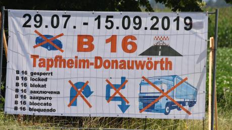 Die Bundesstraße 16 wird ab Montag zwischen Tapfheim und dem Hubschrauberkreisverkehr in Donauwörth wegen einer Baustelle komplett gesperrt.