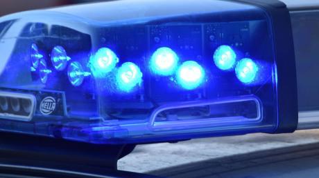 Bei einem Unfall nahe Buchdorf zog sich ein Mopedfahrer beim Zusammenstoß mit einem Reh schwere Verletzungen zu.