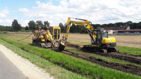 Eine der Baustellen in der Gemeinde Huisheim: Die Mühlen entlang der Schwalb im Bereich der Gemeinde Huisheim bekommen eine neue Trinkwasserleitung. Die ist rund 2,5 Kilometer lang.