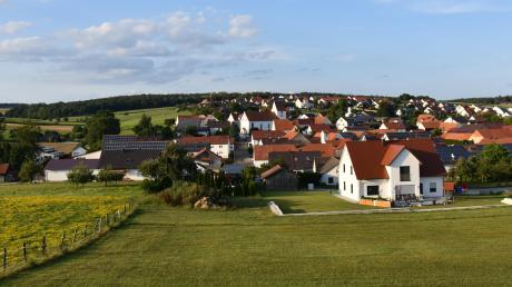 Im Juradorf Daiting sollen auf den sonnenreichen Südhängen zwischen Hochfeld und Natterholz weitere Solarparks gebaut werden.