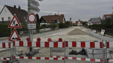 Die Ortsdurchfahrt Oberndorf ist eine von mehreren Kreisstraßen, die heuer und im kommenden Jahr saniert werden.
