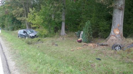 Eine Pappenheimerin ist mit ihrem Auto nahe Fünfstetten gegen einen Baum gefahren und leicht verletzt worden.