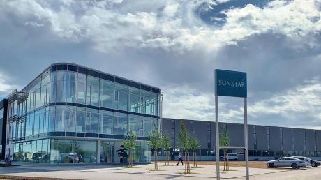 Die neue Europazentrale des japansischen Industrie-Unternehmens Sunstar ist am Mittwoch in Rain offiziell eröffnet worden. Dort sollen 50 neue Jobs entstehen, später könnten es bis zu 100 werden.
