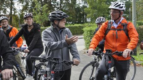 Vor-Ort–Termin der Juroren. Die Vertreter der Arbeitsgemeinschaft fahrradfreundlicher Kommunen in Bayern prüften in Donauwörth an vielen Stellen, ob die Stadt heuer eine Auszeichnung erhält. Für Donauwörth heißt es nun erst einmal: nachsitzen.