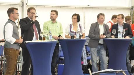 Die Themen sind gesetzt, die Kandidaten für das Amt des Donauwörther Oberbürgermeisters haben ihre Ideen und Visionen im Rahmen des Donauwörther Oktoberfestes am Sonntag vor etwa 800 Interessierten geäußert.