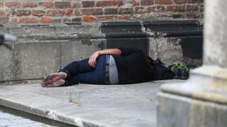 Menschen sind zunehmend von Obdachlosigkeit bedroht.