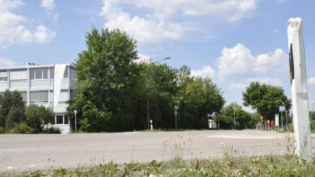 Die Ortsverbindungsstraße zwischen Bäumenheim und Mertingen, vor allem der Bereich bei Geda-Dechentreiter, ist weiterhin ein kontrovers diskutiertes Thema. Dieses kam nun zum wiederholten Male im Bäumenheimer Gemeinderat zur Sprache. Dieses Mal wurde ein Verkehrsgutachten vorgestellt.