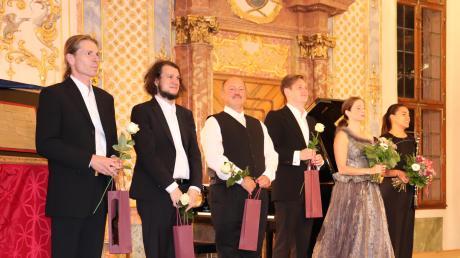 Komponist und Musiker Tom Lier (links) mit (von links) Stephane Bölingen, Jürgen Lechner, Tom Amir, Ylva Stenberg und Lea Hänsel.