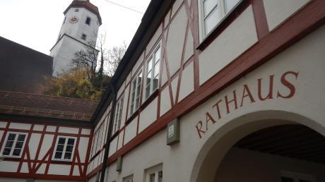 Das Telefonieren mit der Verwaltung im Harburger Rathaus ist derzeit nicht so einfach.