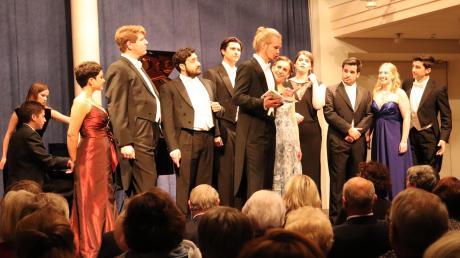Die jungen Interpreten des Opernstudios brachten einmal mehr eine musikalische Sternstunde in die Mertinger Schulaula.