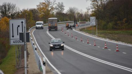 Die B25 bei Harburg ist nach monatelanger Sperrung wieder für den Verkehr freigegeben.