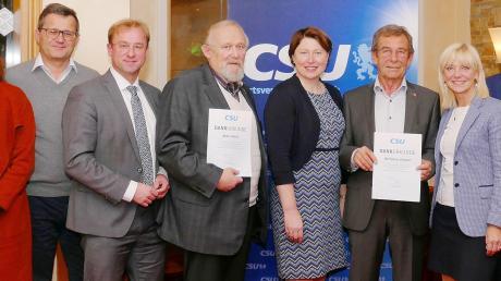 Wolfgang Geppert und Milan Alesik wurden mit einer besonderen Auszeichnung von Staatssekretärin Carolina Trautner geehrt.