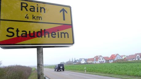 Am westlichen Ortsrand von Staudheim entsteht ein Neubaugebiet. Bis zum Frühjahr 2012 soll es soweit fertig sein, dass dort gebaut werden kann.