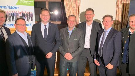 Gruppenbild mit Minister (von links): Peter Schiele, Ulrich Lange, Hans Reichhart, Bernd Spielberger, Jürgen Raab, Stefan Rößle und Wolfgang Stolz.