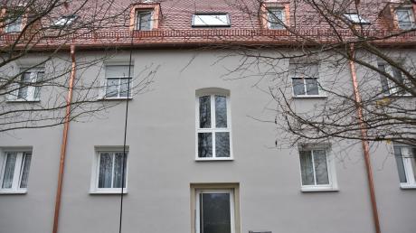 Die Gemeinnützige Baugenossenschaft Donauwörth modernisiert ein Gebäude nach dem anderen. In diesem Jahr wurde dieser Wohnblock in der Gartenstraße komplett saniert. Kosten: knapp 400000 Euro.