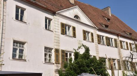 Steht seit Jahren leer: das ehemalige Amtsgericht in Monheim. Das Gebäude befindet sich in Privatbesitz.