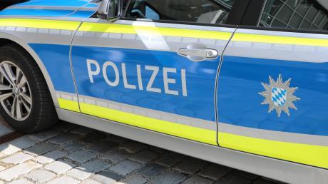 Die Polizei Donauwörth sucht einen flüchtigen Unfallfahrer.