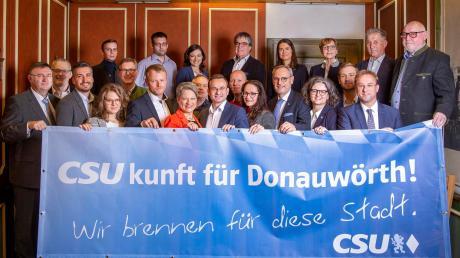 """Die CSU Donauwörth präsentierte im Posthotel Traube jüngst ihre 30-köpfige Liste für die Stadtratswahl im kommenden Jahr. Die Christsozialen wollen eine """"eindeutige Mehrheit"""" erreichen."""