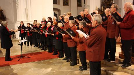 Der Gesangverein Harmonie Donauwörth war Gastgeber beim achten Donauwörther Adventskonzert in Heilig Kreuz.