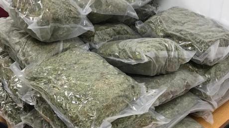Eine größere Menge Marihuana hat die Polizei im Lechgebiet entdeckt.